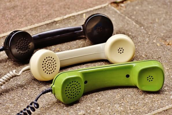 telephone-handset-1678306_640